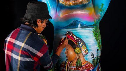 Jovenartistaguatemaltecoparticipa enexposiciónUnitedBuddyBears, que enlaza arte y tolerancia