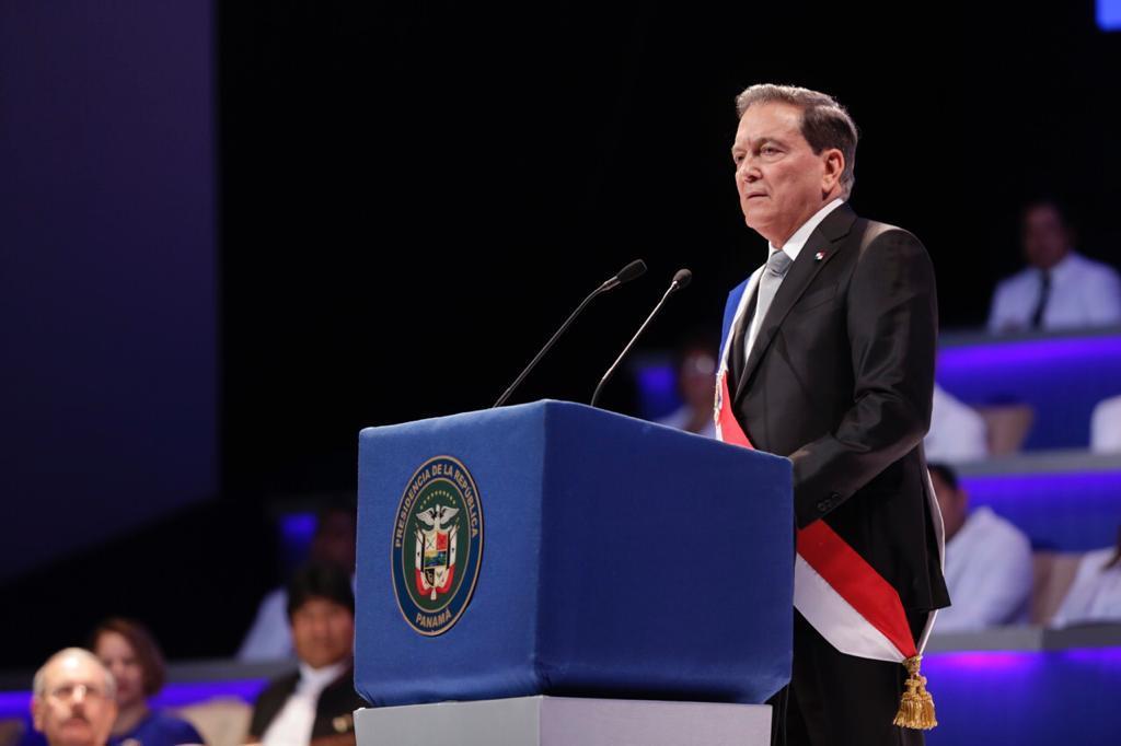 Cortizo asume como presidente de Panamá con grandes retos.