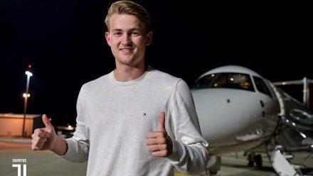 De ligt llega a Turín para fichar por la Juventus