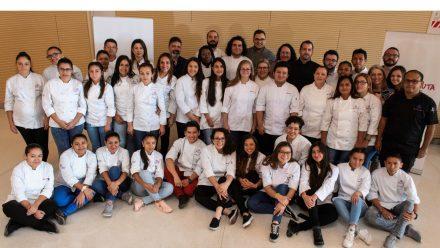 Empresa líder mundial presenta iniciatIva generación oportunidades económicas para jóvenes