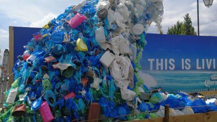 Corona y Parley presentan proyecto para limpiar las playas de Guatemala