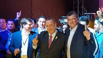 De la cárcel a la presidencia: Giammattei con arrollador triunfo en elecciones