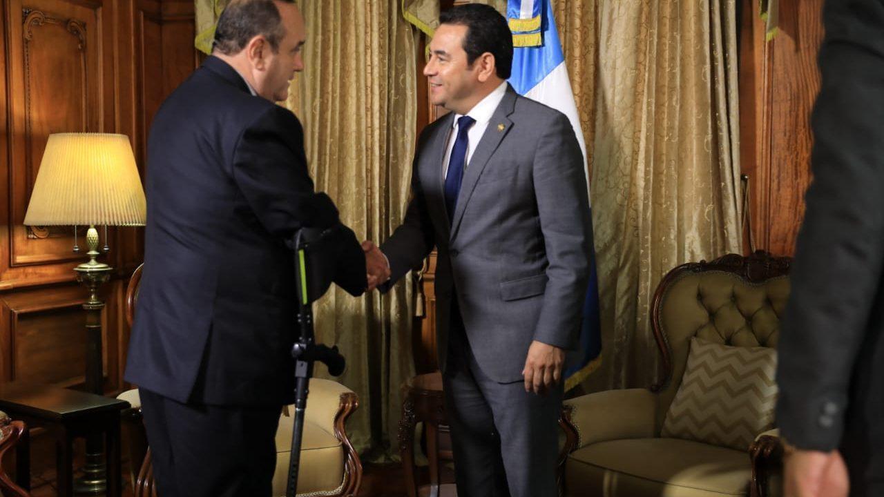 Jimmy Morales y Alejandro Giammattei se reúnen por primera vez para iniciar con la transición de gobierno