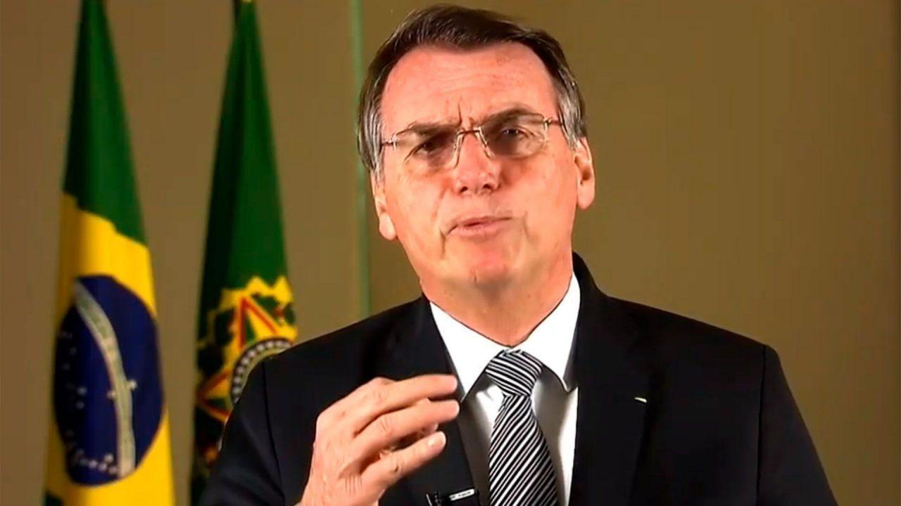 Bolsonaro rechaza ayuda internacional para apagar los incendios en el Amazonas