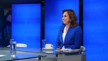 Candidata presidencial UNE rechaza encuestas desfavorables y asegura que cuenta con el respaldo popular