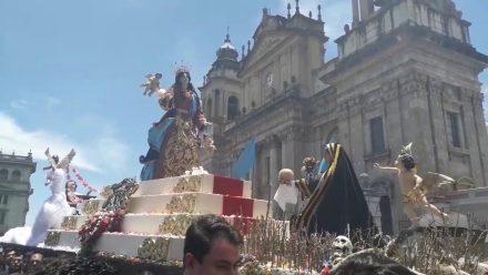 Con multitudinaria procesión religiosa y feria se conmemora Día de Patrona de la Ciudad