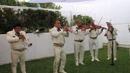 Comunidad mexicana conmemora 209 aniversario de la Independencia