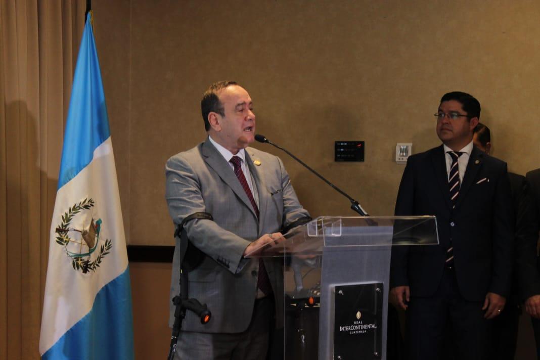 Giammattei promete construcción de Hospital Oftalmología, con donación de comunidad internacional