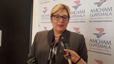 Expone SAT ante empresarios AmCham sobre fiscalización y secreto bancario