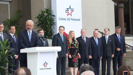 Nombran nueva autoridad de Canal de Panamá que cumplirá 20 años bajo administración panameña
