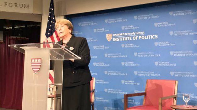 """Bachelet, """"preocupada y triste"""", aboga por diálogo """"inmediato"""" en Chile"""