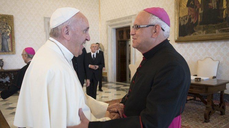 Ramazzini asume como Cardenal, investido por Papa Francisco