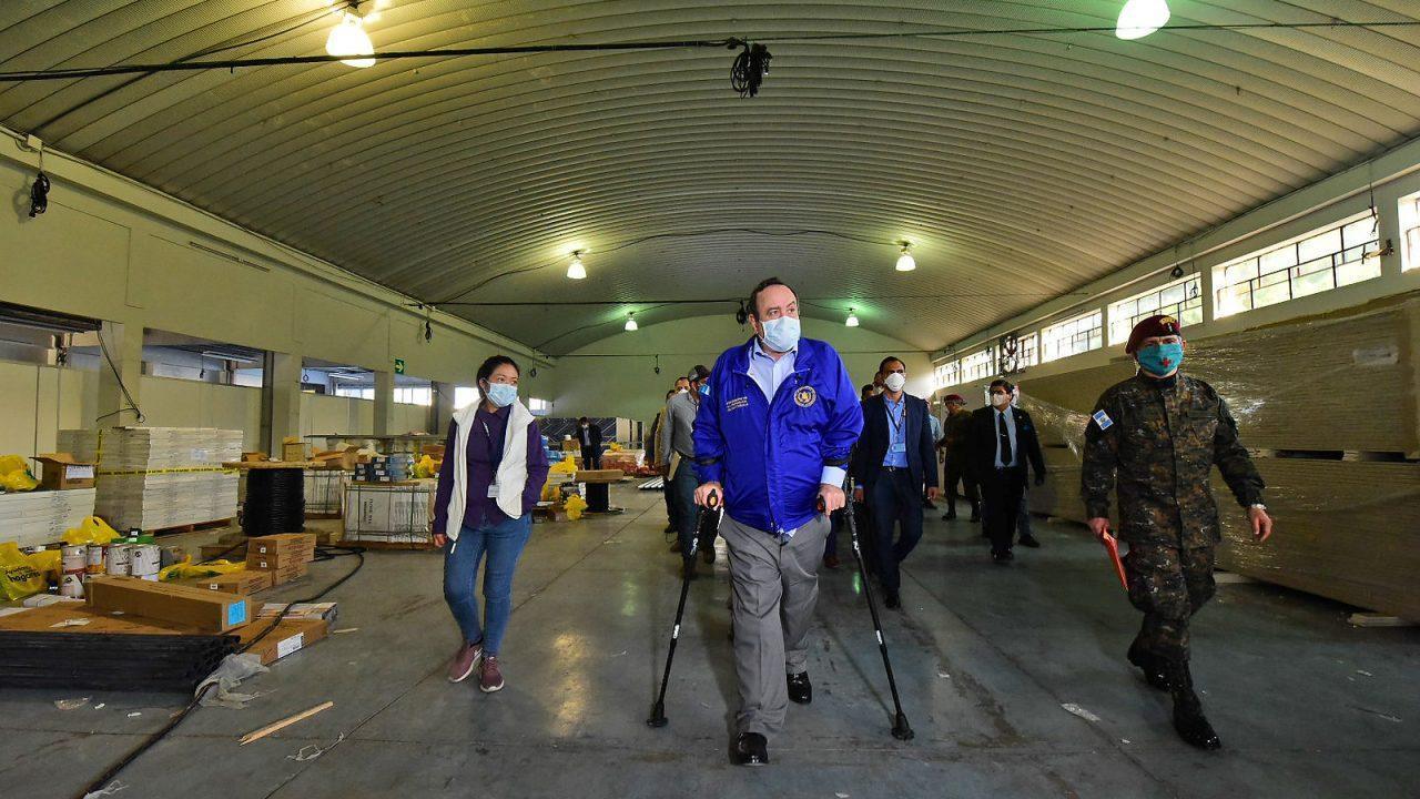 Inaugura Giammattei hospital temporal para atender a pacientes de coronavirus