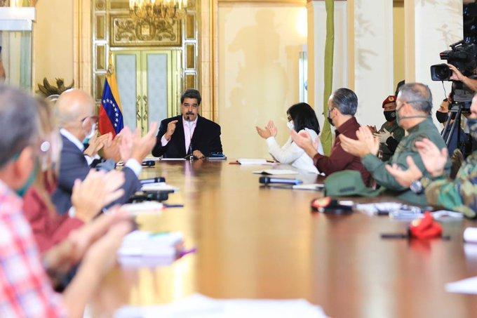 "EUA acusa a presidente Maduro de ""narcoterrorista"" y ofrece recompensa por su cabeza"