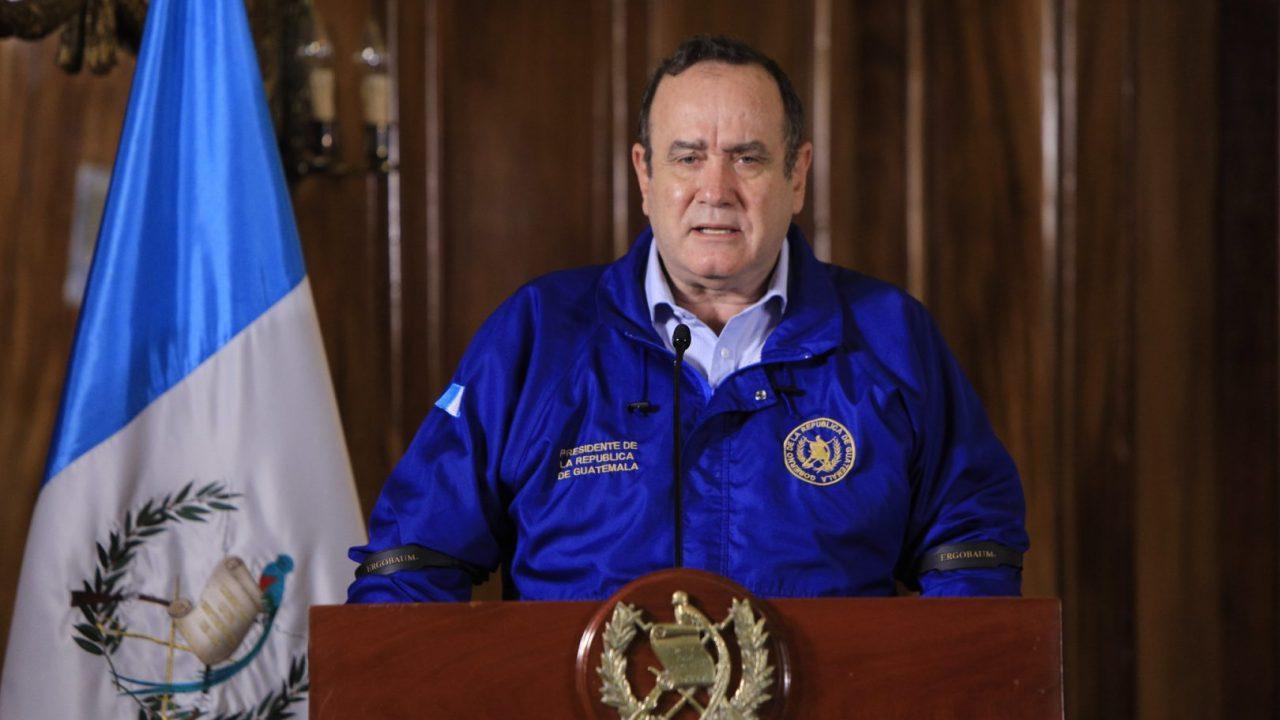 """Giammattei critíca «respuesta tardía"""" de AMLO ante pandemia y advierte sobre daños a Centroamérica"""