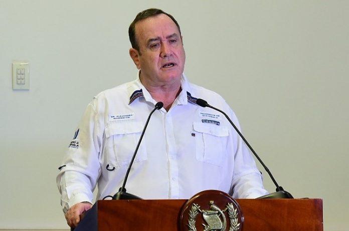 Presidente Giammattei amplía restricciones para mantener contención de coronavirus