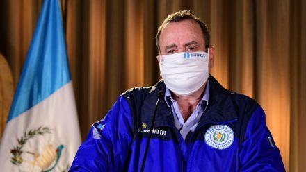 Presidente Giammattei informa de 11 casos más de coronavirus. Total asciende a 167