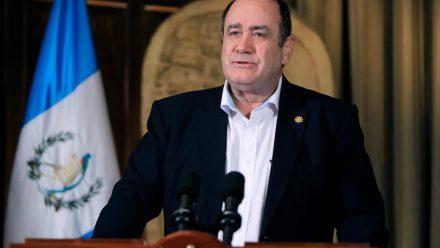 Giammattei defiende veto a iniciativa y destaca nuevo proyecto de ley sobre servicios básicos