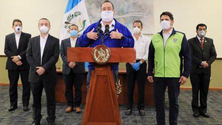 Presidente Giammattei llama a mantener contención de COVID-19 para enfrentar etapa crítica
