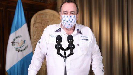 Afirma Giammattei que cierre total de país evitó proliferación virus