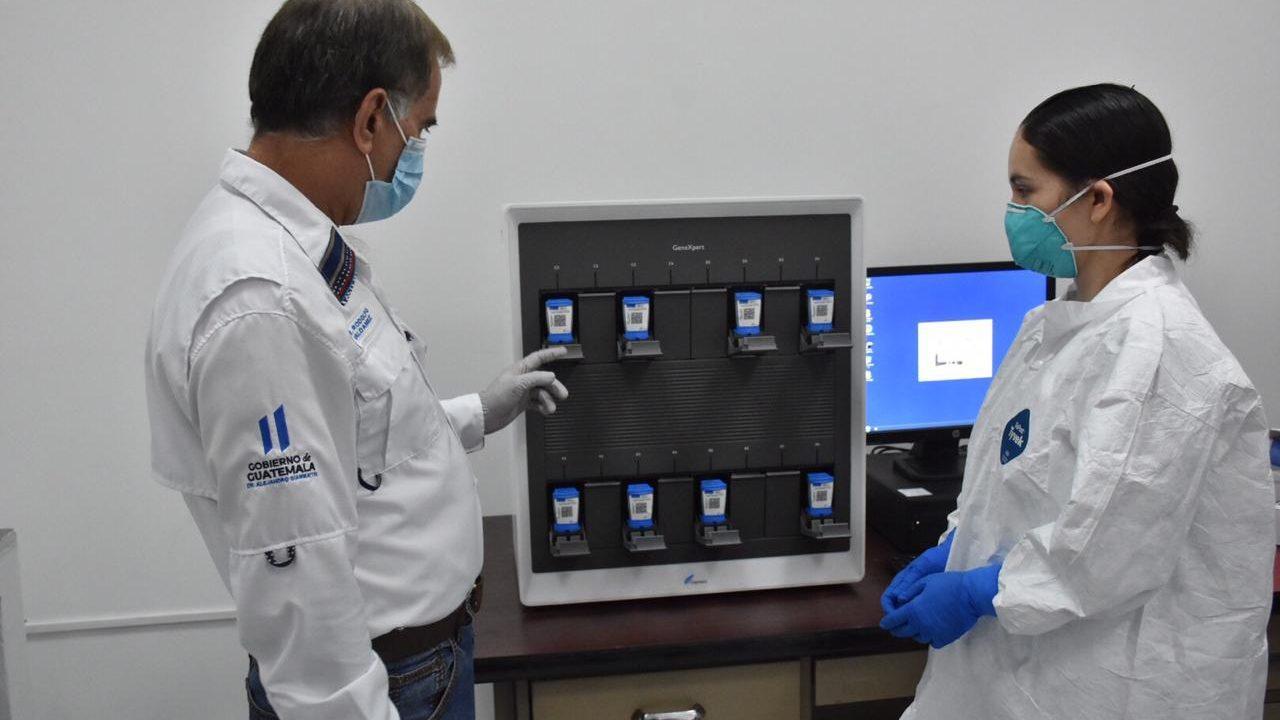 Salud reporta 19 muertes y 279 nuevos casos y ordena auditoría sobre datos coronavirus