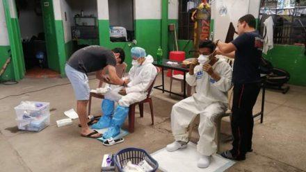 Festejan a padres en plena escalada de pandemia