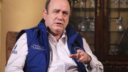 Giammattei anuncia sistema que se aplicará para retorno a nueva normalidad
