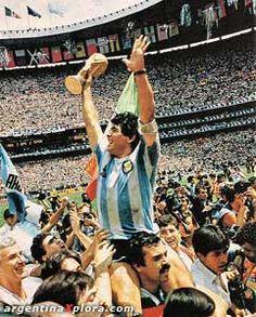El mundo del futbol llora la muerte del genio de las canchas, Diego Maradona