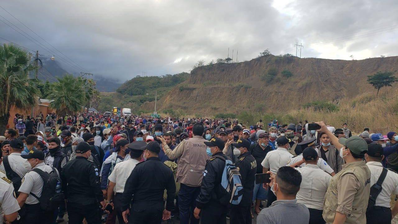 Justifican represión para contener caravana migrantes hondureños