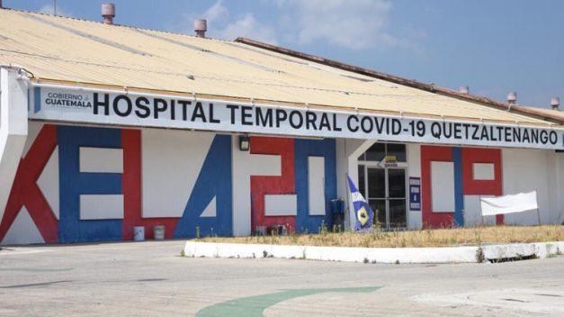 """Autoridades de Salud decretan Alerta Roja en hospitales por """"aumento masivo"""" de casos COVID-19"""