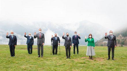 Guatemala pide en Cumbre Iberoamericana «acceso inmediato» a vacunas